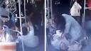 女乘客折返公交抢救患者