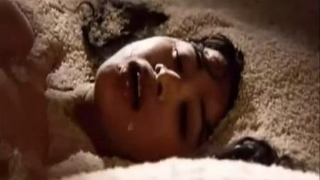 经典老电影《大鸿米店》被删大尺度肉搏床戏片段