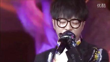 20131206第六届音乐风云榜新人盛典——华晨宇《 》