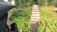 視頻: DOWNHILL MOUNTAIN BIKING - Golden, BC#高山自行車運動151031