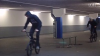 视频: Garage riding with homies - BMX!!