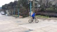 視頻: 湖南岳陽小車手上臺階180。