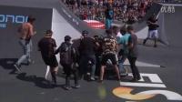 视频: 赛道上正展现精彩影响的小轮车特技表演 招引观众围观_0