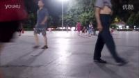 視頻: 騎著死飛踢球,戰況激烈 死飛技術表演 死飛視頻教程