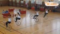 美女教你如何自行車玩法之高手在民間視頻2【豬八逗娛樂】